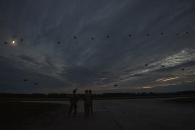 Výsadek první vlny při cvičení Sky Soldier II. / Foto: Markus Rauchenberger, US Army