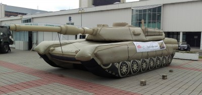 Atrapa tanku M1 Abrams od Inflatech Decoy. Foto: Samuel Kolesár