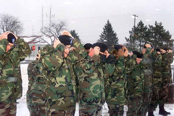 Konec baretů v americké pěchotě  d6819b20f6