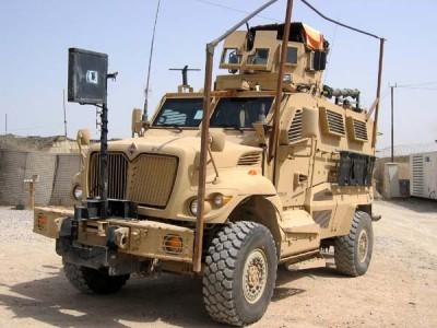 Obrněný transportér International MaxxPro. | Armored personnel carrier International MaxxPro.