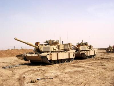 Porouchaný M1A1 Abrams, základna Tal Abtha, severní Irák. | A broken M1A1, Tal Abtha base, northern Iraq.