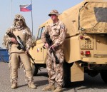Čeští vojáci při výcviku v Camp Doha v Kuvajtu | Czech soldiers during training at Camp Doha in Kuwait (Foto František Šulc)